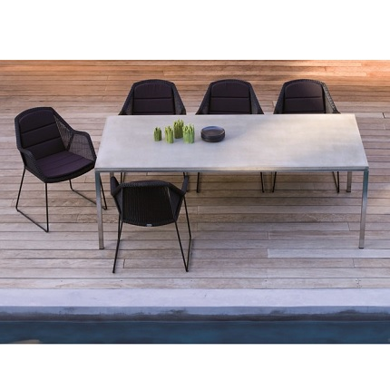pure table with breeze