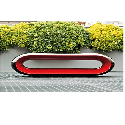 loop black and red lacquered