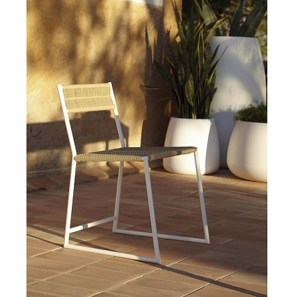 tituna chair scene