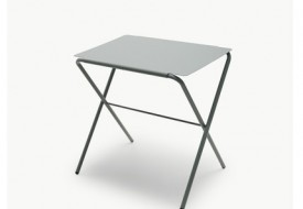 Bow Folding Table by Skagerak