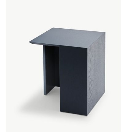 building table black