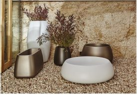 Sahara Lacquered Plant Pot by Gandia Blasco